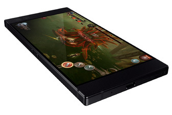Razer-Phone-is-official-120Hz-Ultramotion-display-The-Pro-Gamer-smartphone2.jpg